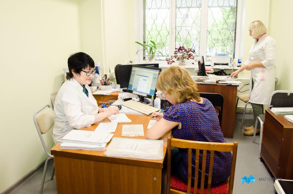 Больницам не хватает кадров