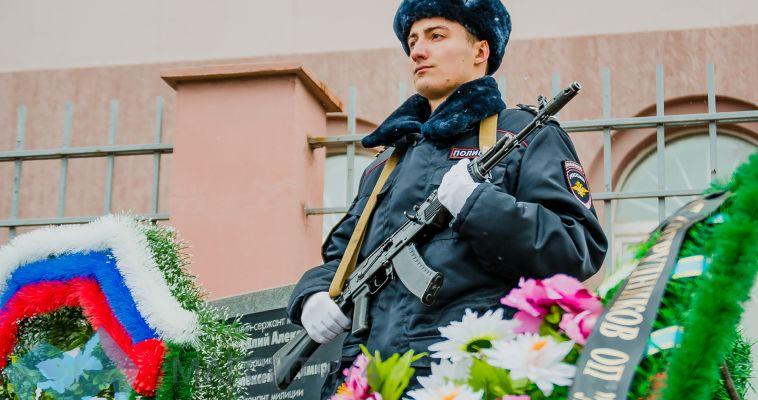 Магнитогорские гарнизоны отметили День полиции