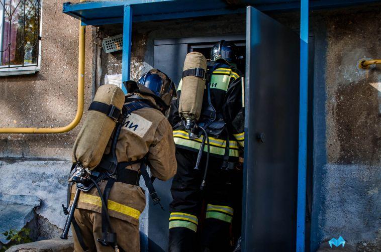 Из-за пожара в Магнитогорске эвакуировали 15 человек