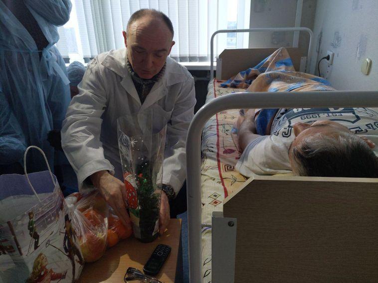 Борис Дубровский навестил пострадавших в больнице
