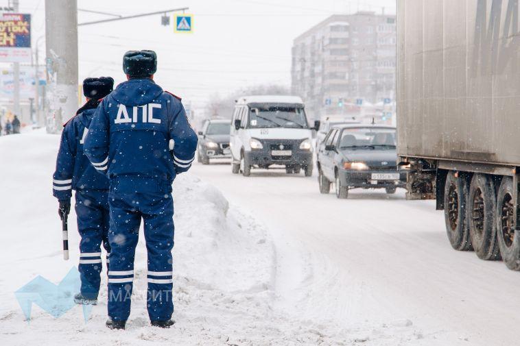Более трех тысяч автомобилей проверили областные экипажи ДПС