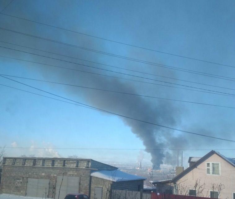 Огонь на калибровочном заводе охватил один цех
