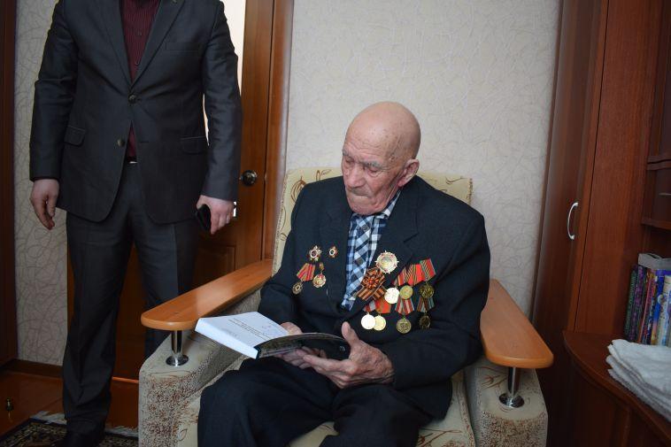 Ветерану войны передали медаль «За отвагу», потерянную семьдесят лет назад