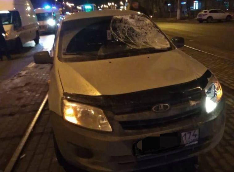 «Лада Гранта» сбила двух пешеходов