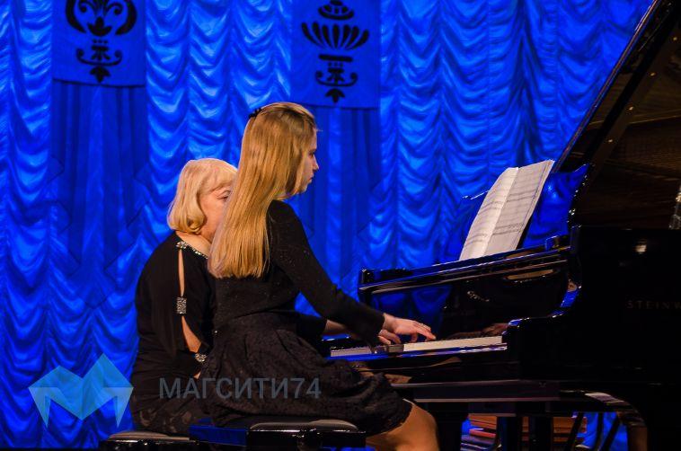 Юные дарования ударили по клавишам легендарного инструмента