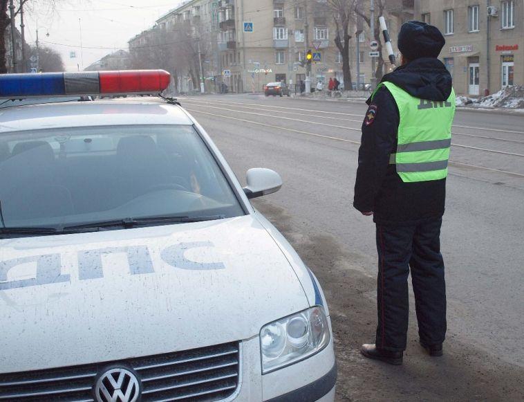 Инспекторы оштрафовали водителей за отсутствие детских автокресел