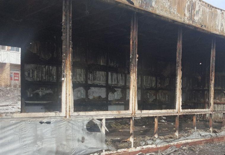 Сгоревший остановочный комплекс на Тевосяна снесут