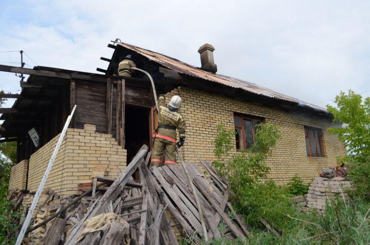 Огонь нанес владельцам дома ущерб в полмиллиона рублей