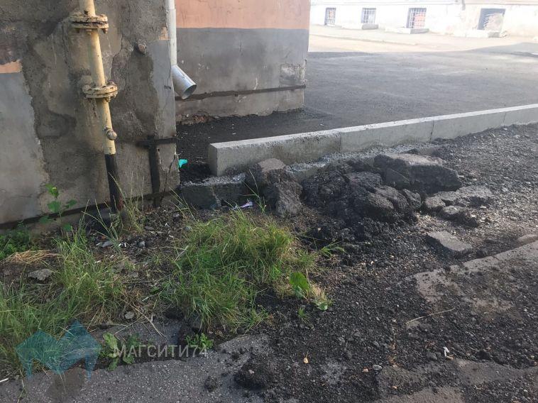 Жителям дома №5 по Рубинштейна закрыли проезд к дому