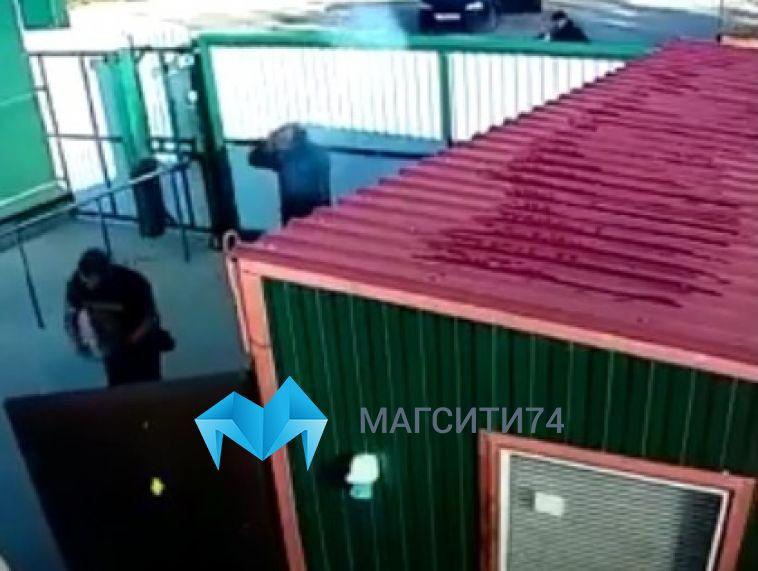 На завод магнитогорца в Славянске-на-Кубани совершили вооружённое нападение