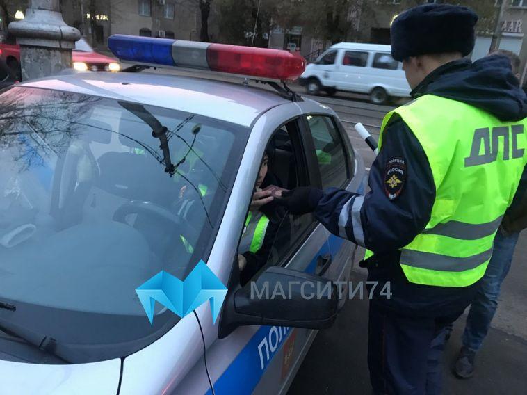 Полицейские поймали пьяного водителя, который вёз детей в школу