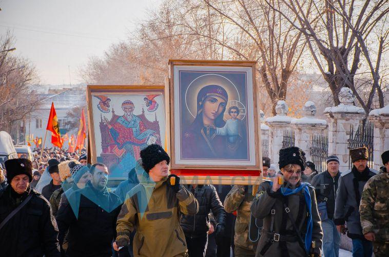 Магнитогорск отметил День народного единства крестным ходом