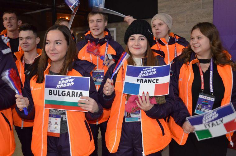 «Все флаги в гости будут к нам»: в Магнитогорск прибыли спортсмены Кубка мира по сноуборду