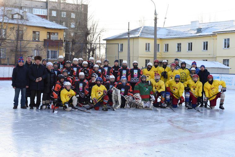 Команда «Гайдаровец» получила подарок отФедерации хоккея Магнитогорска