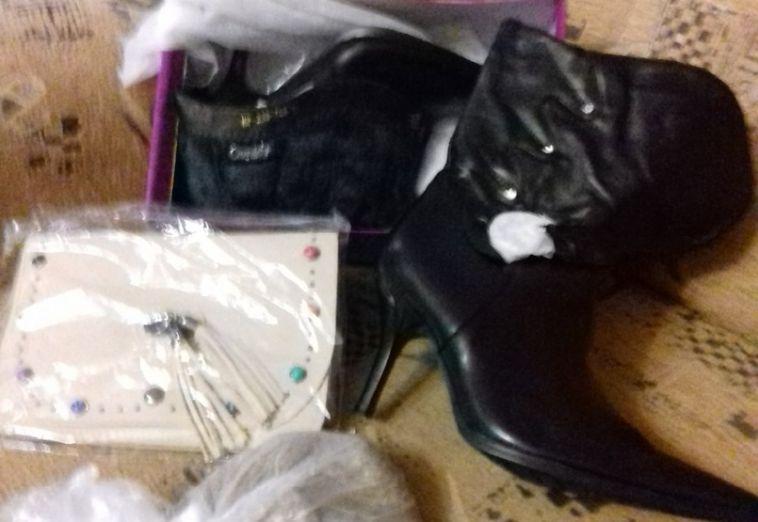 Жительнице Магнитогорска вместо новых итальянских туфель пришли старые сапоги инеприятный сюрприз