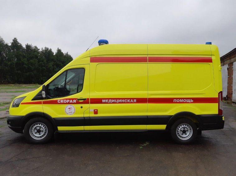 Медики из Магнитогорска получили новый реанимобиль
