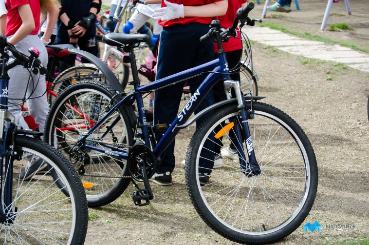 В Магнитогорске велосипедист врезался в иномарку