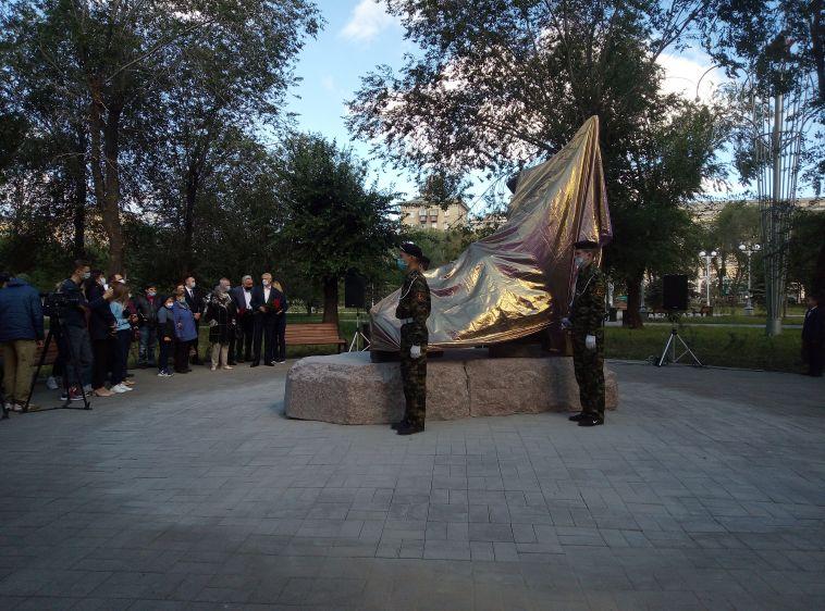 «Военное детство». В день окончания Второй мировой войны в Магнитке открыли новый памятник