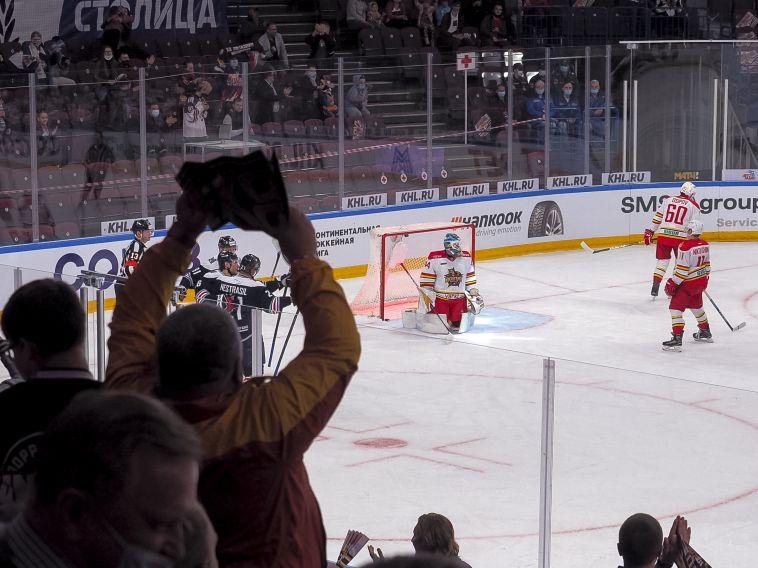 «Сухой» победы не получилось.  «Металлург» провел первый матч в новом сезоне КХЛ