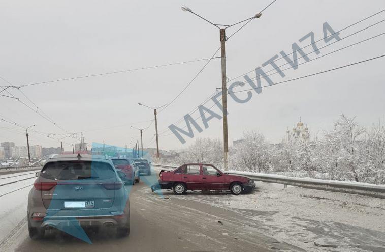 НаКазачьей переправе из-за ДТП было затруднено движение