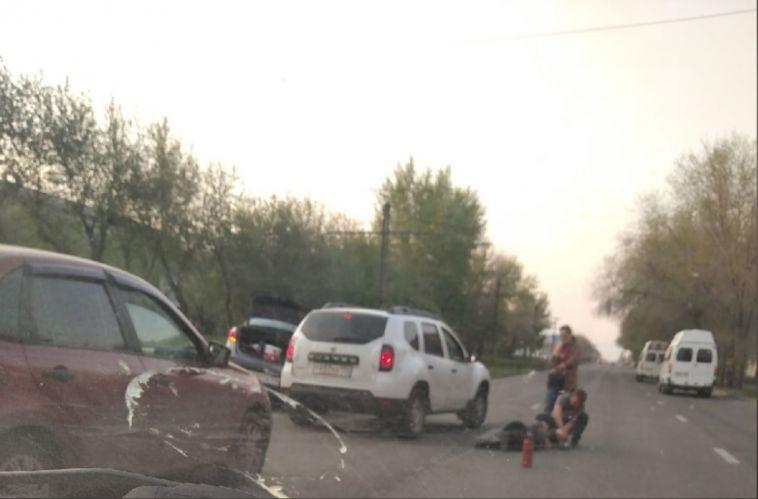 Пожилой мужчина лежал на оживлённой дороге в Магнитогорске