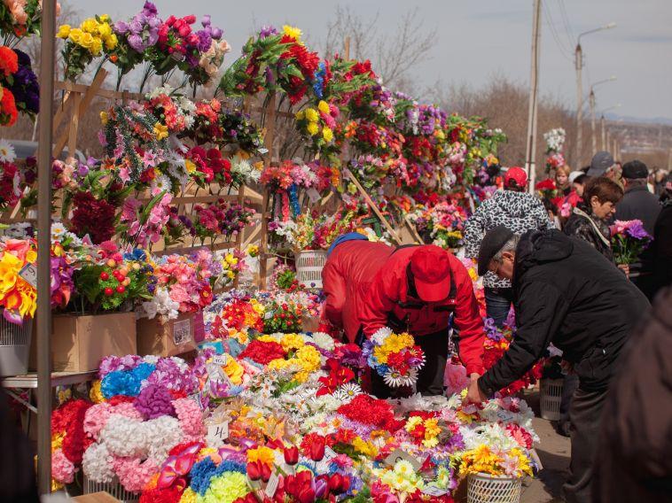 Стражи порядка «сливали» информациюобумерших южноуральцах похоронному бюро