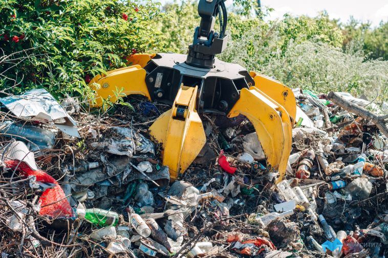 За неделю из города вывезли 253 кубометра мусора