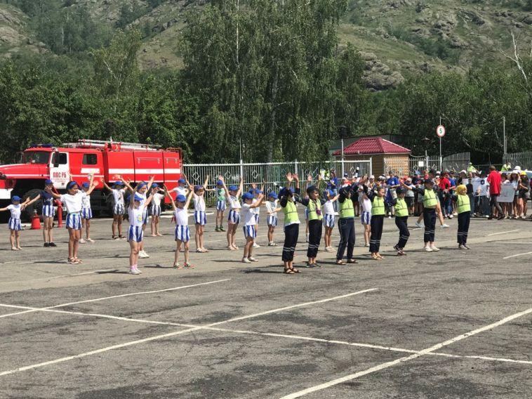 Госавтоинспекция побывала еще водном детском лагере, чтобы напомнить ребятам оПДД