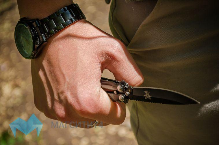 Челябинец убил супругу инанес ножевые ранения своему сыну
