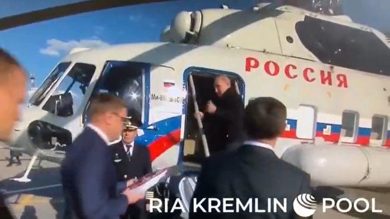 Владимир Путин начал облёт территорий, пострадавших отпожара