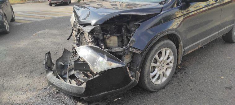 ВМагнитогорске произошло ДТП стремя автомобилями идвумя мотоциклами